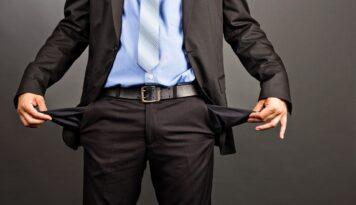 businessman-empty-pockets